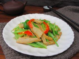 芹菜炒牛肚片