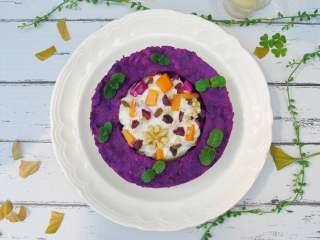 五彩缤纷水果酸奶紫薯环