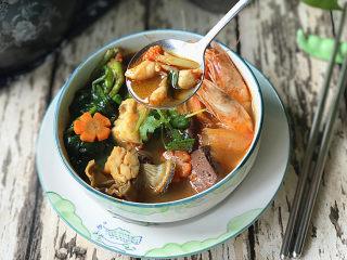 韩式海鲜锅,肉质鲜嫩、爽滑可口