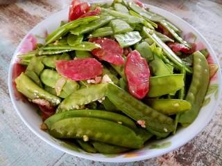 腊肠荷兰豆,可以开饭咯。