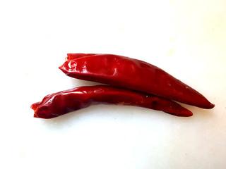 ~粉丝蟹煲,准备辣椒。
