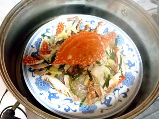 ~粉丝蟹煲,大火蒸十五分钟。