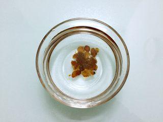 桃胶炖奶,桃胶提前用清水浸泡12小时