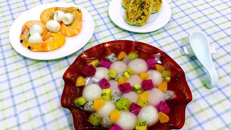水果涝汤圆,早餐要吃的丰盛还要有营养