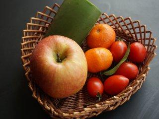 芦荟水果沙拉,提前将原材料准备好 叨叨叨:搭配沙拉的食材没有固定的标准,喜欢什么搭配什么