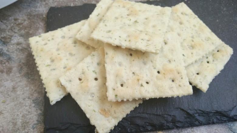 海苔牛扎饼,总的是海苔味的苏打饼干