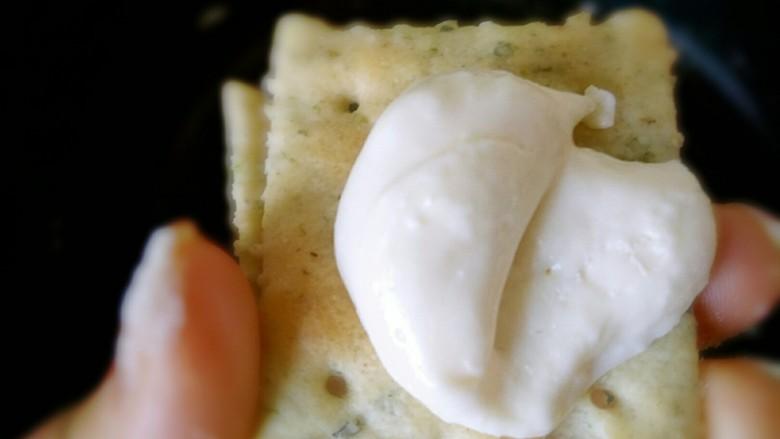 海苔牛扎饼,就像上一个步骤再重复做下一块饼干