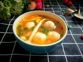 番茄海鲜菇鱼丸汤