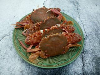 吮指的美味香辣蟹,螃蟹四百克,个个都很肥