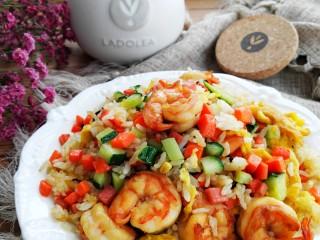 五彩虾仁炒饭,营养丰富,鲜香美味!