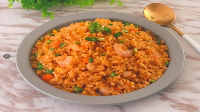 咸蛋黄虾仁炒饭,自制巨美味的炒饭,这些年炒饭都白吃了!