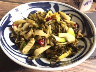 超级下饭的春笋炒咸菜,装盘
