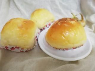 蛋黄豆沙能量小餐包