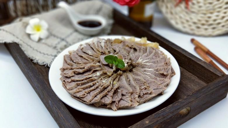 五香卤牛肉,调料汁:可以按个人喜欢调味。美味佳肴,不油不腻,补身体。(^_^)