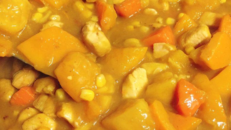 清甜的蔬菜咖喱 南瓜玉米红薯胡萝卜鸡肉咖喱