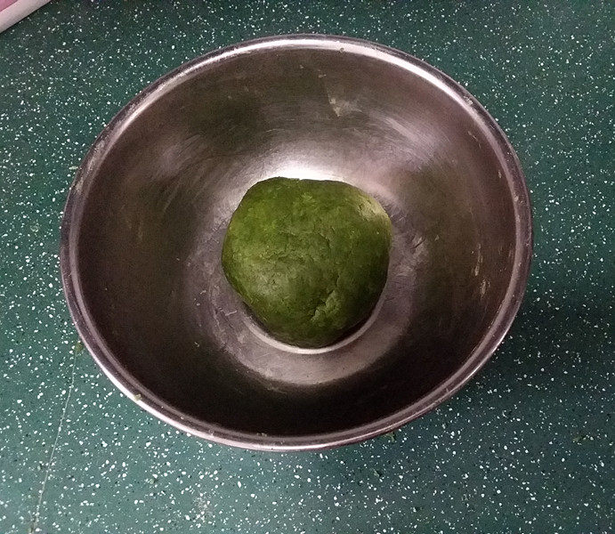抹茶奶酪南瓜派,轻拌成团入冰箱冷藏1小时左右