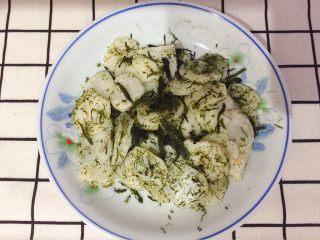 海苔炒年糕,不用加盐和味精,即可出锅