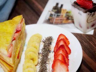 高颜值好味道的水果三明治,成品图。