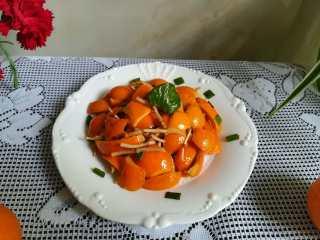 #时令菜#清香开胃的折耳根凉拌橙皮,成品图。 真的非常开胃,非常好吃哦。