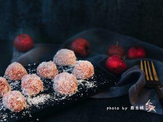 山楂雪球,装盘,开吃,酸酸甜甜的