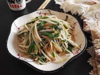 春天的味道-韭菜炒银芽,带着春天的味道,它就来到了我们餐桌上。