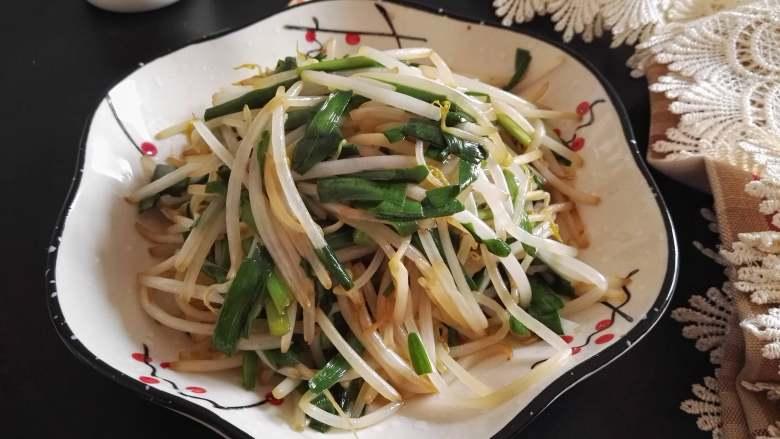 春天的味道-韭菜炒银芽