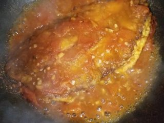 番茄沙巴鱼,大概焖煮5分钟左右即可出锅啦。