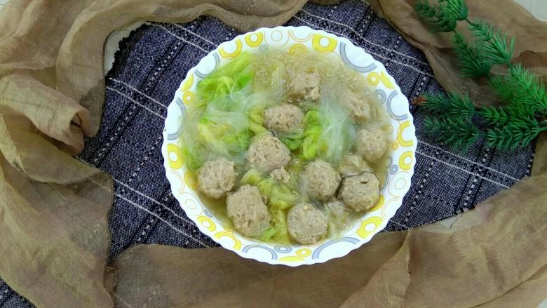 白菜叶肉丸粉丝汤