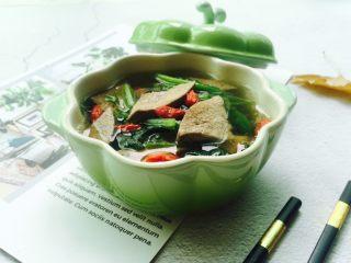 春季养生汤~枸杞菠菜猪肝汤,先来一张成品图,枸杞菠菜猪肝汤