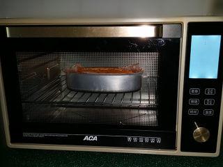 百香果磅蛋糕,再送入烤箱继续烤30~40分钟左右