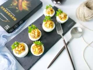 鸡蛋香肠沙拉杯