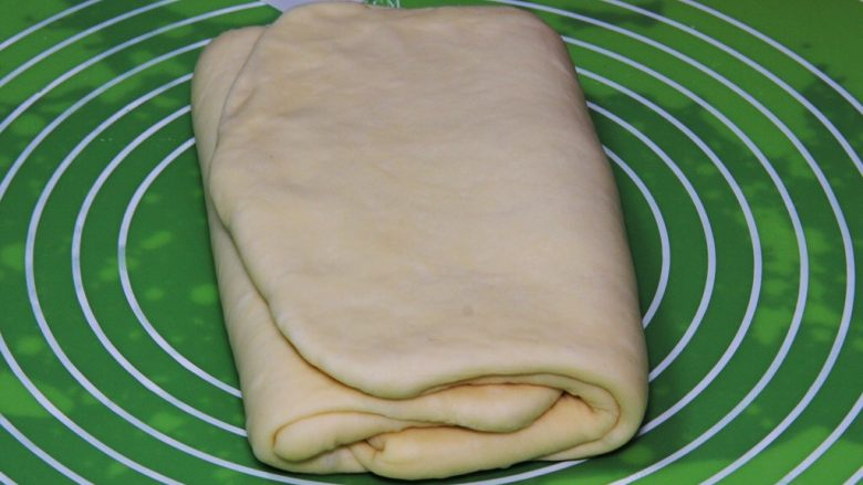 起酥面包,右边翻过去。