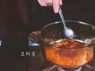 麻婆豆腐,加入豆瓣酱