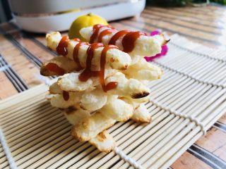 虾条,一般孩子都喜欢酸酸甜甜的番茄酱,不仅好吃,还漂亮,摆个好看的造型