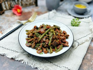 苔干炒鸭胗#鸭胗搭配这个菜下饭又下酒#