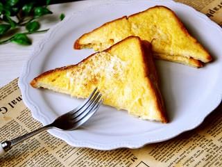 早餐黄油鸡蛋牛奶煎土司