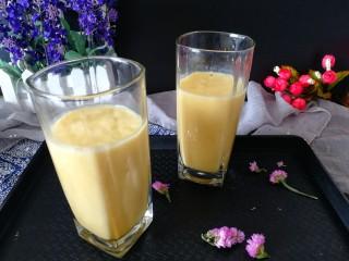 芒果香蕉奶昔,拍个照吧,有颜值有口味,赞。