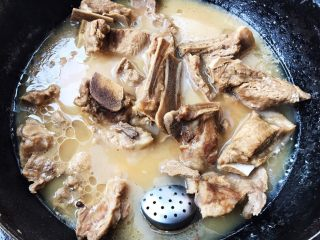 干烧排骨,汤汁熬的特别浓稠