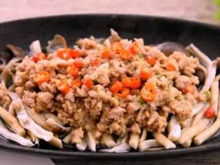 教你一个茶树菇的新鲜吃法,好吃到拿肉都不换,孩子多吃一碗饭,赶快来尝试下吧