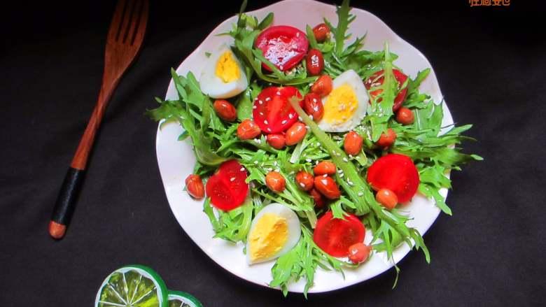 减脂蔬菜沙拉,这道简易的蔬菜沙拉不错,不用沙拉酱,材料可以随意搭配
