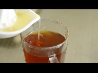 营养快手早餐 松软菠菜鸡蛋饼,柠檬汁