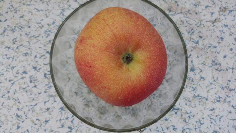 红枣苹果甜汤,再准备一个<a style='color:red;display:inline-block;' href='/shicai/ 591'>苹果</a>
