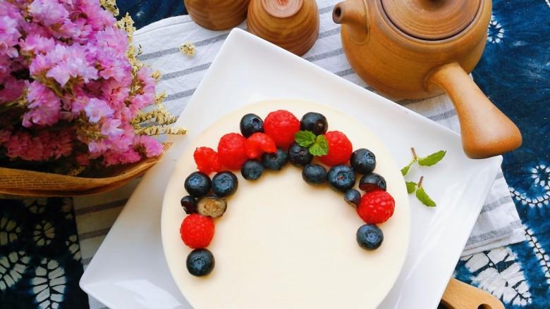 树莓奶酪慕斯