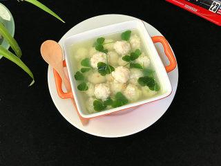 磷虾丸子苜蓿汤#宝宝辅食#,汤汁清香,磷虾肉丸Q弹嫩滑