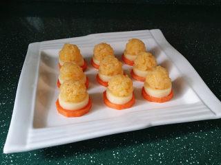 磷虾仁玉子豆腐#宝宝辅食#,做好是这样的,还将剩余的肉团做了水汆蛋黄磷虾丸子