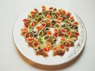 西葫芦\虾仁\胡萝卜\香菇\四喜蒸饺
