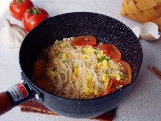 番茄鸡蛋面,简单又有营养的番茄鸡蛋面就做好了。