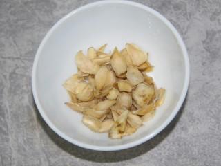 百合银耳粥,百合约20g