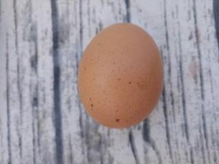 炒方便面,然后准备一个鸡蛋