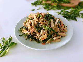 新鲜茶叶入菜,春天里最清新淡雅的味道,春天气息。